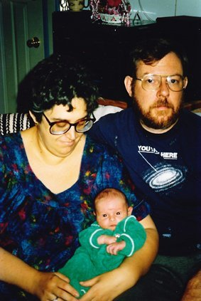 Elliot with his parents, 1989